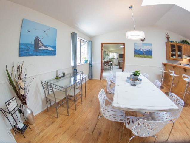 Dining-Room-Angels-Landing-Port-Angeles-Washington-Vacation-Home