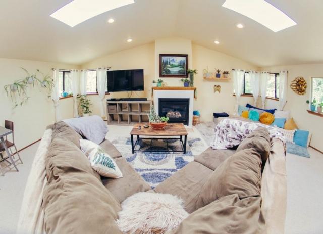 Living-Room-Angels-Landing-Port-Angeles-Washington-Vacation-Home